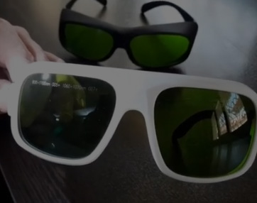 عینک-لیزر-دایود-1